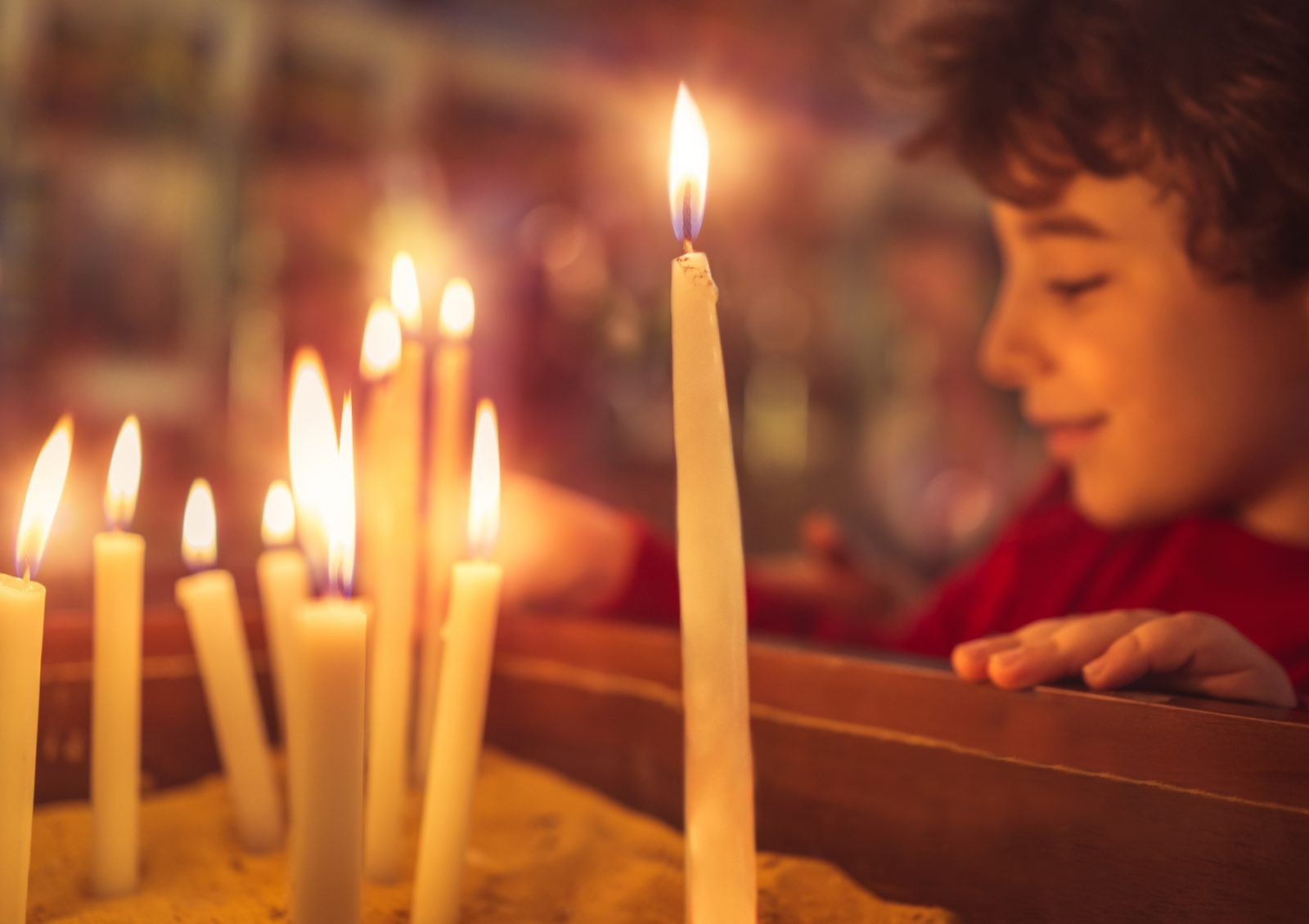 photodune-21716618-little-boy-in-the-church-on-easter-xl