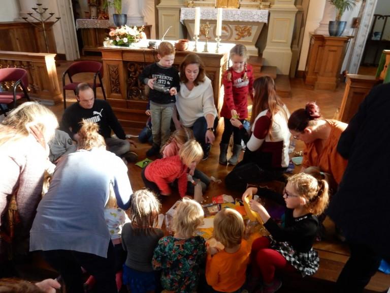 lampionnen maken in Kidskerk