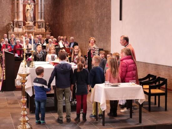 petrus en Paulus gevuld altaar kinderen